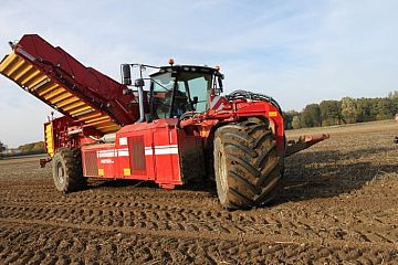 Self-propelled harvester GRIMME VARITRON