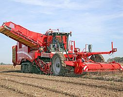 SELF-PROPELLED POTATO HARVESTER