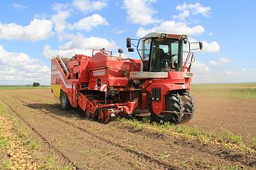 Self-propelled harvester GRIMME SF 150-60